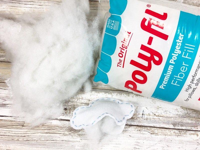 Stuff cloud with Poly-Fil Creatively Beth #creativelybeth #rainbow #craftweek2020 #craftsticks #kidscraft