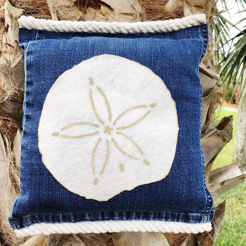 Starfish and Sand Dollar Denim Pillows Creatively Beth #creativelybeth #coastal #homedecor #polyfil #nosewpillow #upcycle #denim