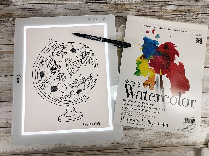 Download the FREE Floral Globe Printable and transfer onto watercolor paper with the MONOTWIN Creatively Beth #creativelybeth #freeprintable #handdrawn #watercolor #tombowdualbrushpens