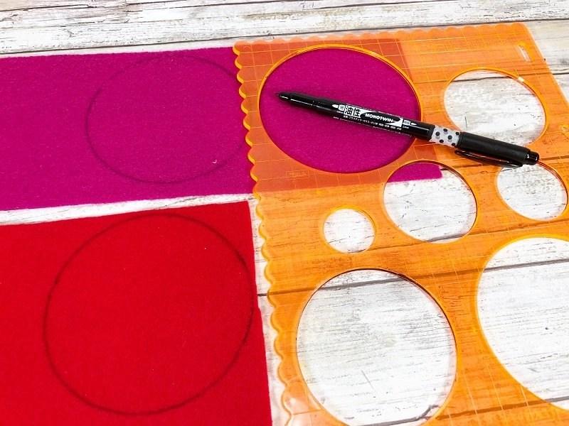 Trace four inch circles onto felt Creatively Beth #creativelybeth #feltcrafts #fortunecookie #DIYcrafts #valentinesday #freeprintable