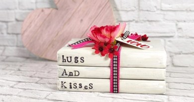 Valentine's Day Book Stack a Dollar Tree DIY by Creatively Beth #creativelybeth #teamcreativecrafts #bookstack #dollartreecrafts #valentinesdaycrafts