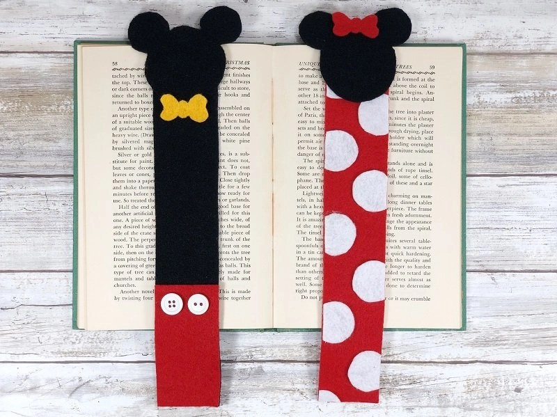 Disney Inspired Felt Bookmarks for Reading FUN! by Creatively Beth #creativelybeth #disneycrafts #mickeymouse #minniemouse #bookmarks #freepatterns