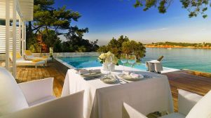 beautiful-arion-resort-spa-in-greece-2