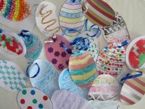 20 techniques d'art plastique pour réaliser de jolis oeufs avec les enfants par creativemumandco