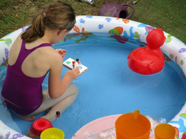 idées pour rafraichir les enfants: le bateau Playmobil!