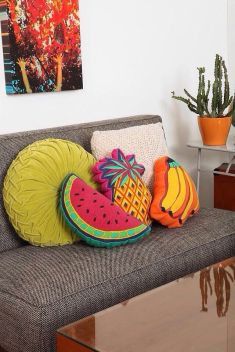 https://www.nousdecor.com/blog/say-aloha-pineapple-trend-tropical-rooms