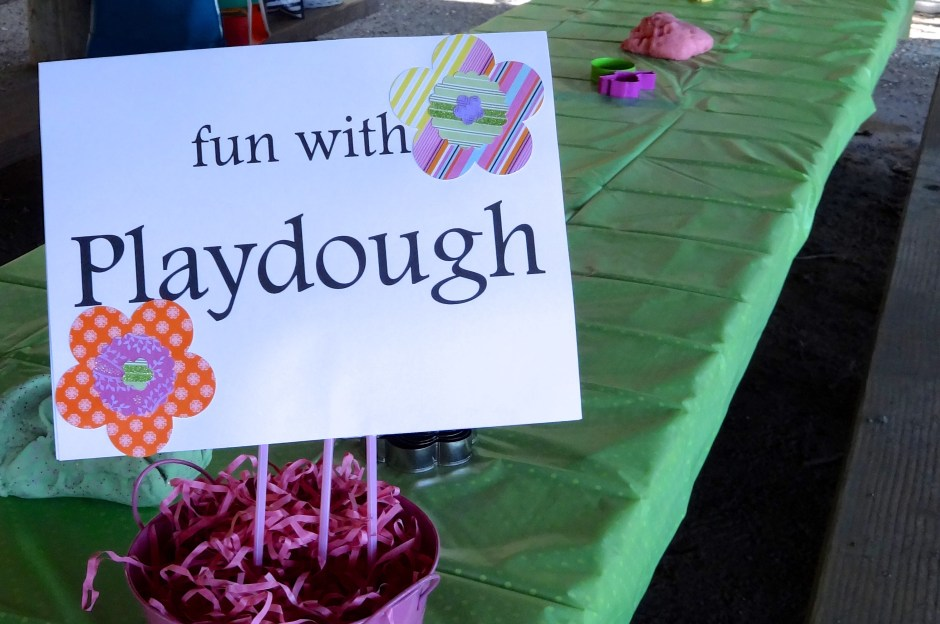 Sign for play dough fun
