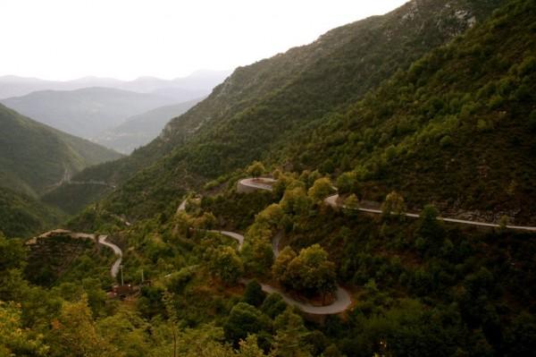 beautiful-roads-around-the-world-5