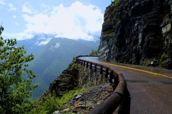 beautiful-roads-around-the-world-7