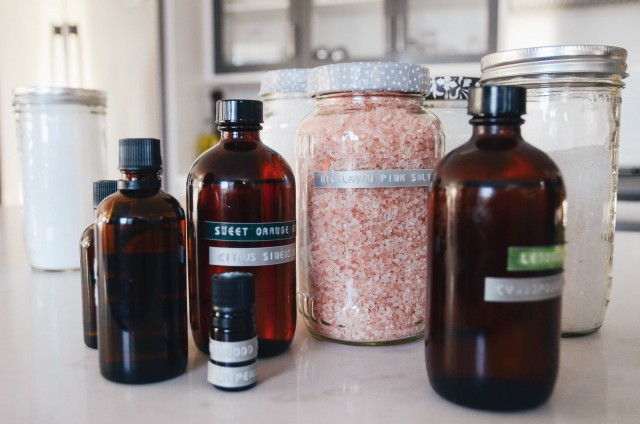 Materials to DIY bath balms