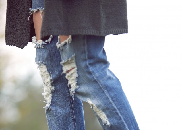 extra large rips in jeans #hunnistyle