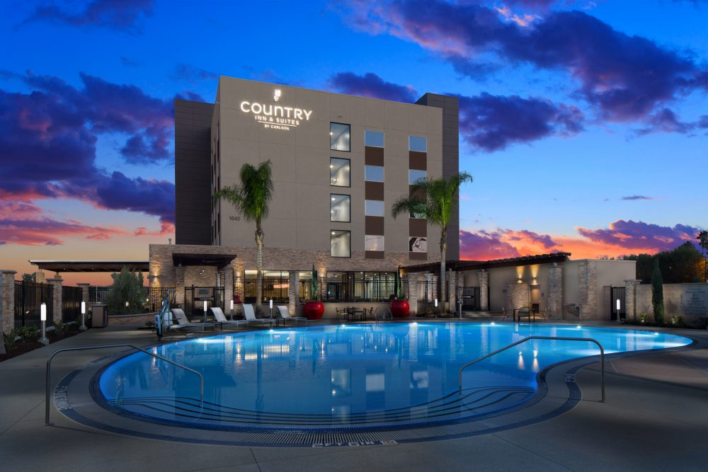 Anahiem Disneyland Hotel Country Inn and Suites   North American Family Destinations