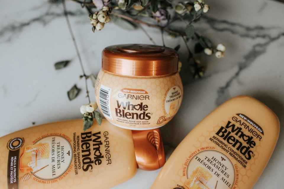 Benefits of Using Honey Within Your Hair Routine | Honey Treasures Coupon | Photo by Julie Christine Photography