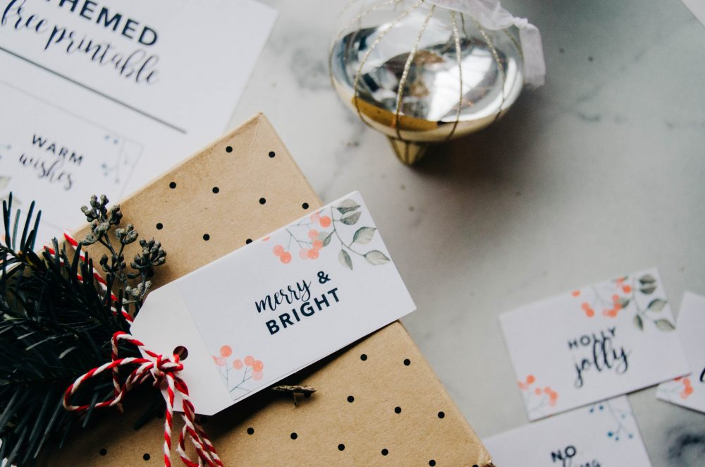 Christmas Gift Tag Free Printables | Easy Holiday DIY IdeaCreative ...