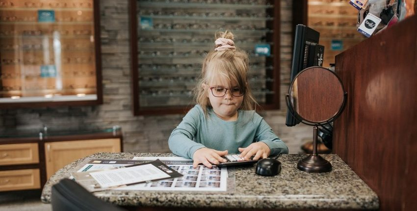 Booking your child's eye appointment in Abbotsford IRIS