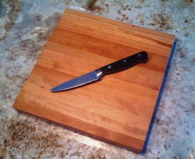 "Rustic Cherry Wooden Cutting Board 10 1/4"" x 10 1/4"" x 1"""