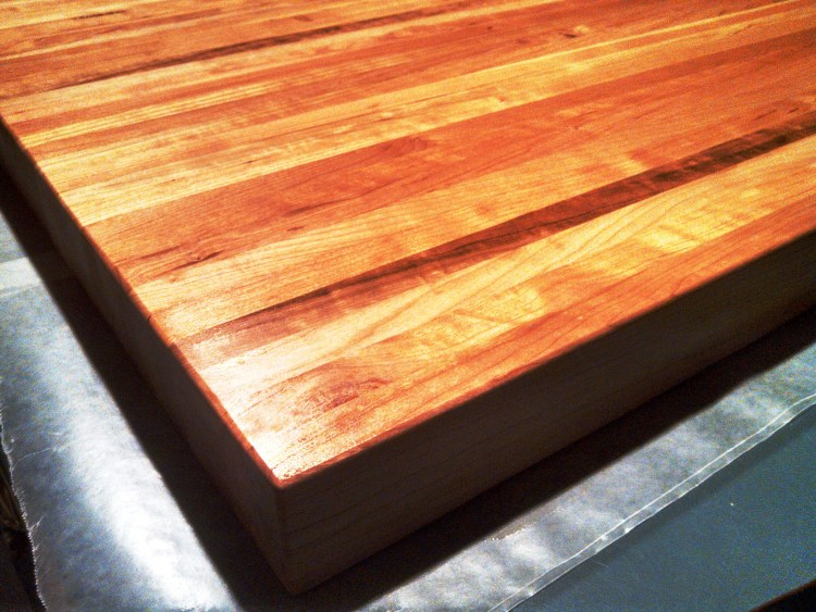 rustic-cherry-counter-top