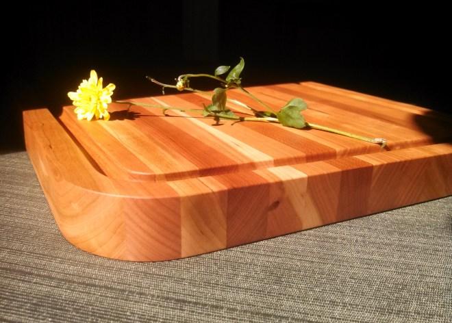 wendy-cutting-board-cherry-radius-2