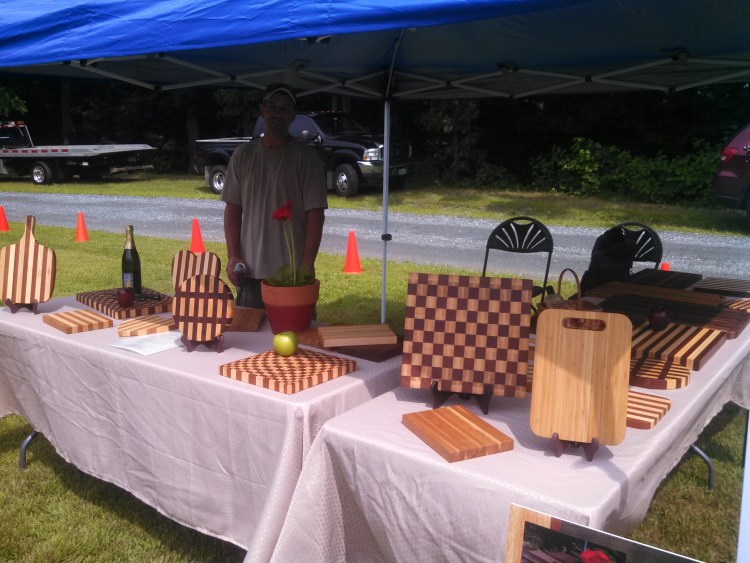 creative-woodworking-craft-table-cutting-boards-3