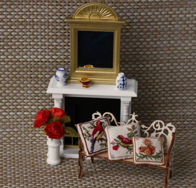 """<img src=""""dollhousepillow.jpg"""" alt=""""dollhouse miniatures pillow"""">"""