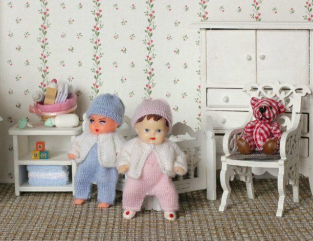 "<img src=""ARI rubber vintage doll "" alt=""3 inches dolls"" />"