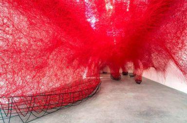 artista Japonés Chiharu Shiota