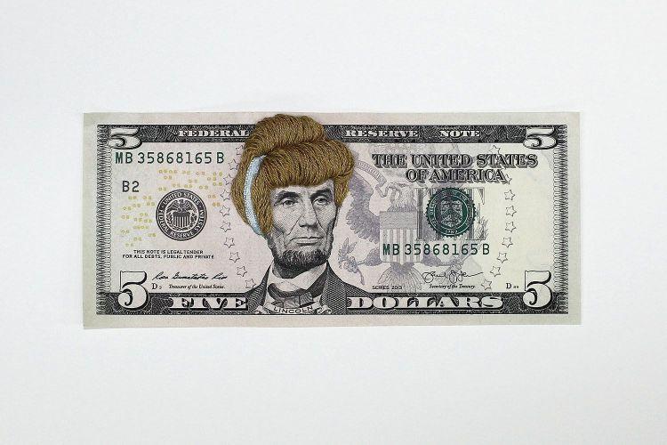 pelucas en billetes