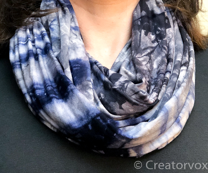 lightweight infinity scarf featured image close cropped