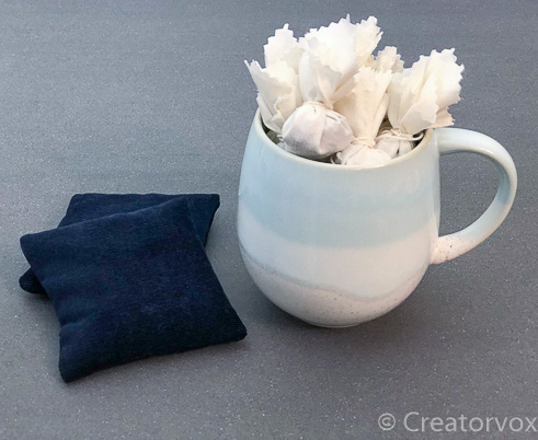 easy handmade gifts mulling spice sachets with mug and hand warmers
