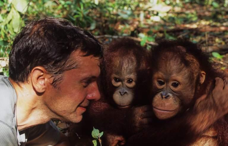 Chris Kratt With Orangutans