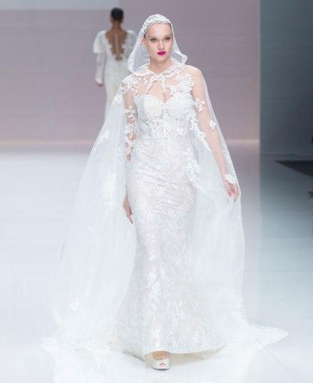 demetrios-catwalk-during-the-barcelona-bridal-fashion-week-runway-collection-2019_2