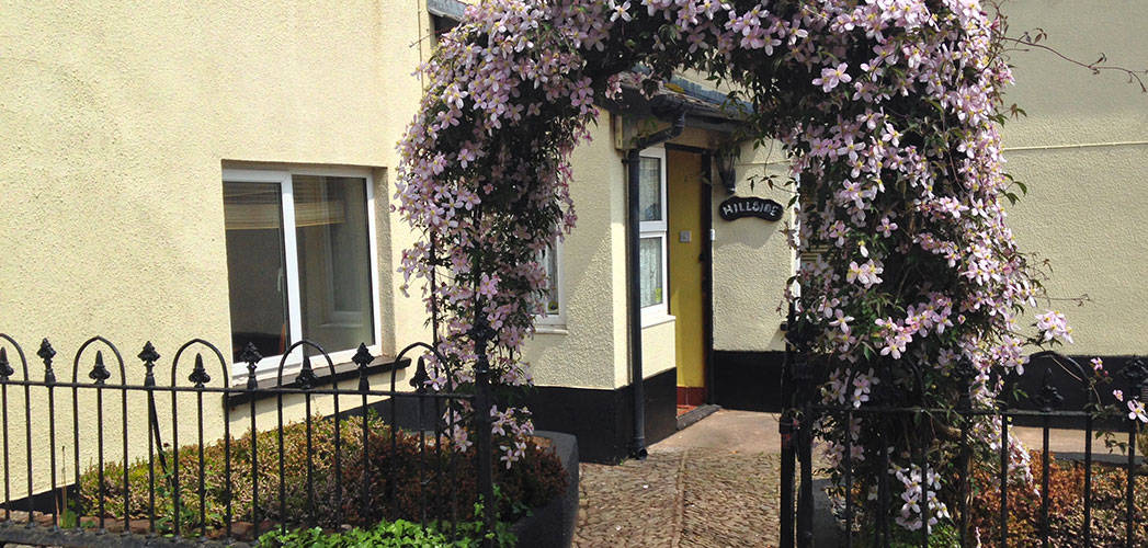 Outside Hillside Bed & Breakfast, Sandford, Crediton, Devon