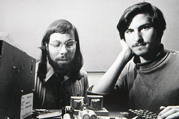 Steve Jobs 10 Rich & Successful Tech Company Owners Who Never Graduated College credityatra