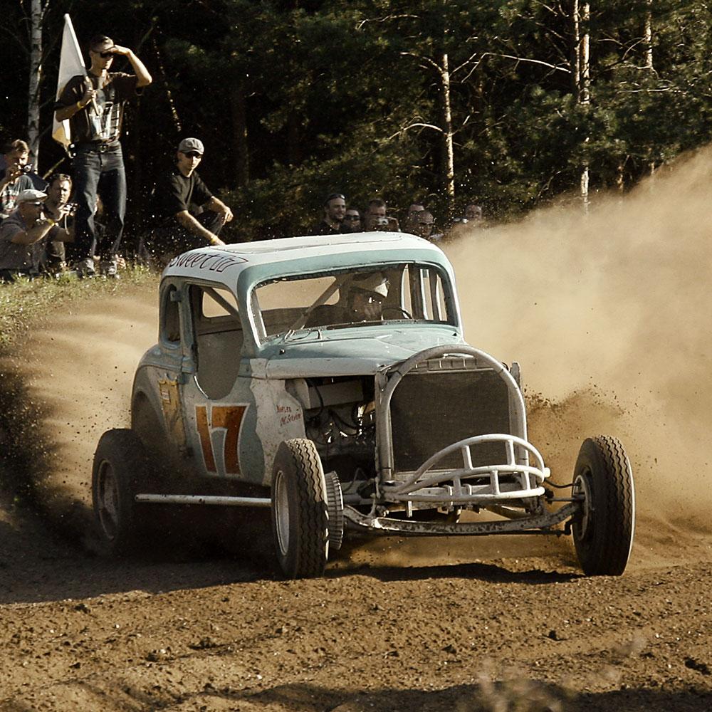 2. Massen Dirt Track