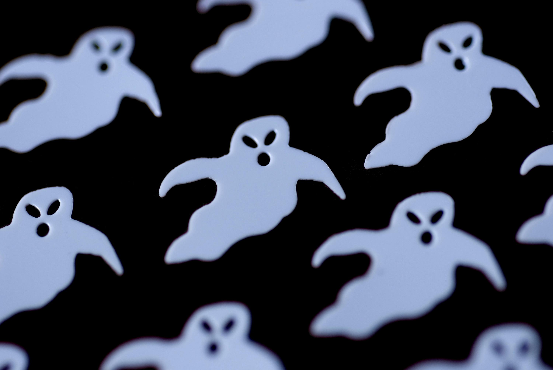 image of ghosts backdrop | creepyhalloweenimages