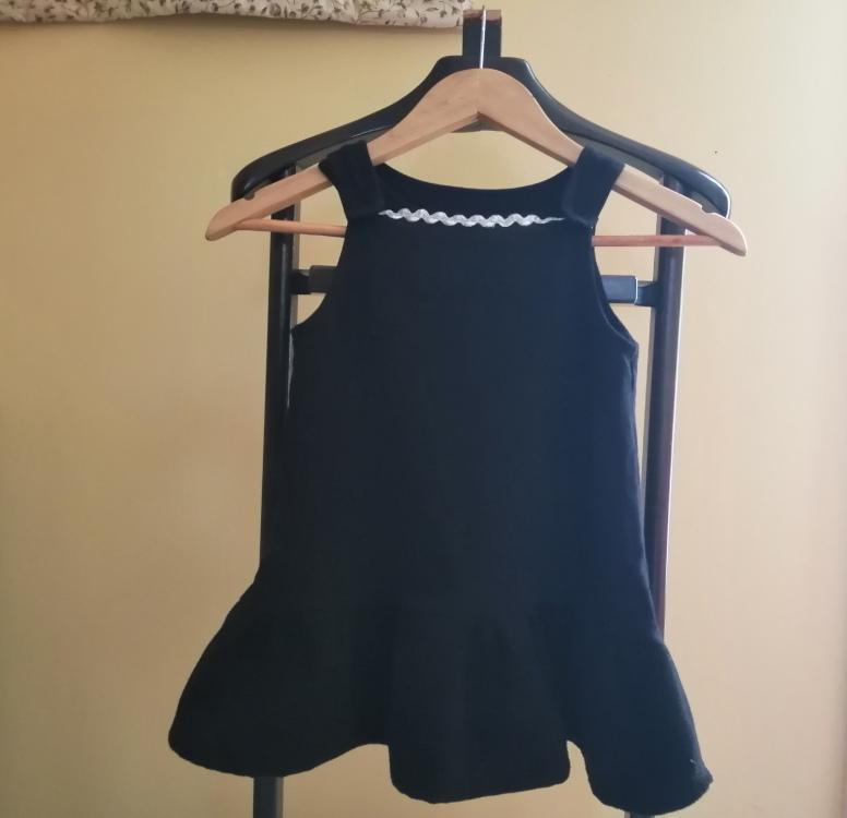 robe enfant à partir de restes de tissu et vêtement jogging recyclé