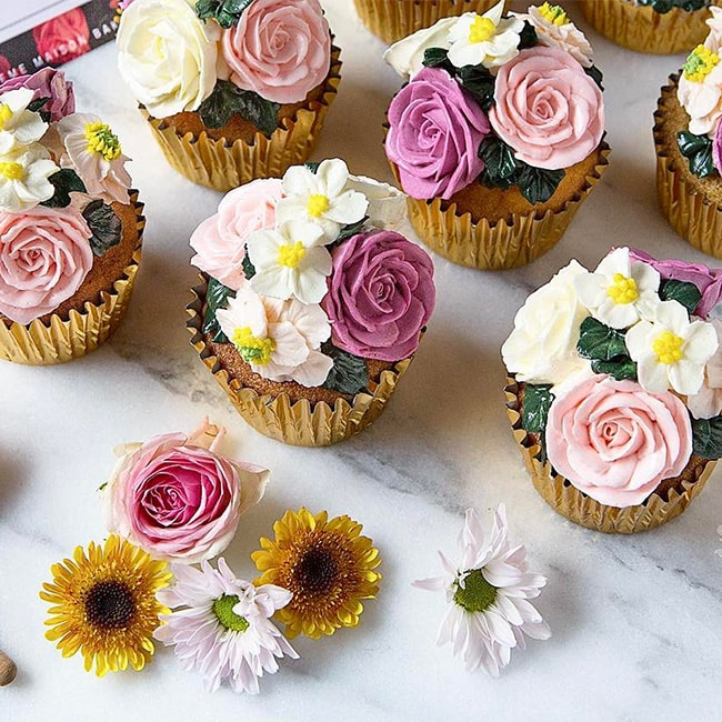 Floral cupcakes done by Creme Maison Bakery