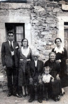 La Abuela Pascuala, abuelos Gumersindo, Ezequiel, Petronila padres de Cheles, tia M