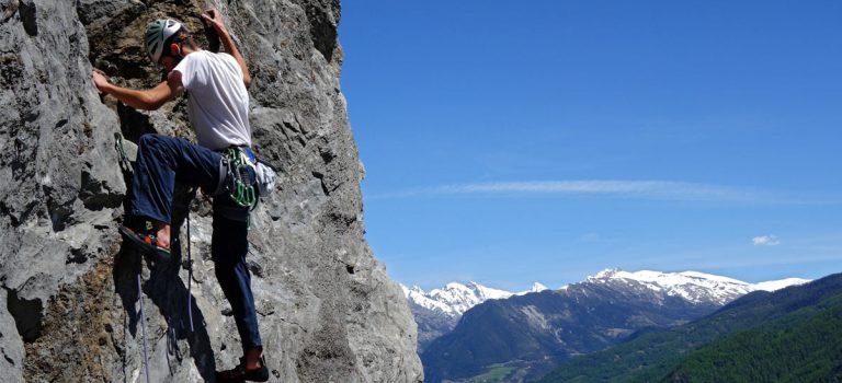 Escalade : de la salle aux falaises des Hautes-Alpes