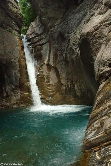 canyoning guide Embrun, athletic trip canyoning