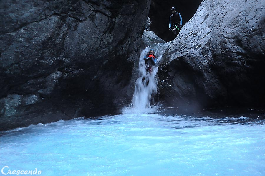 groupe de canyon, guide canyoning Vallouise, guide canyon hautes-alpes