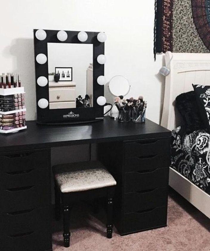 penteadeira preta com camarim #decoração