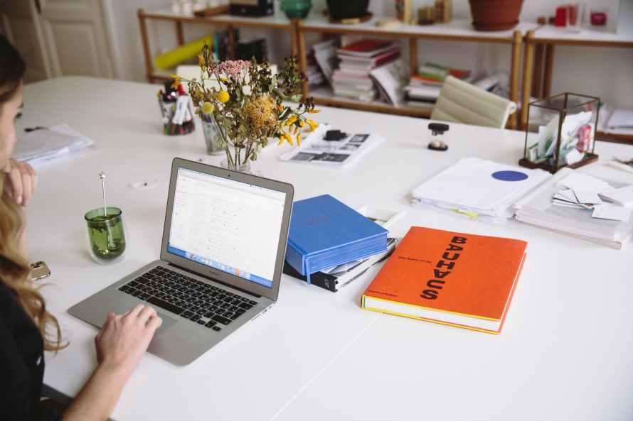 vantagens-e-desvantagens-de-trabalhar-com-blog