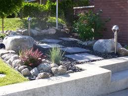 Modern Concrete Garden Retaining Wall