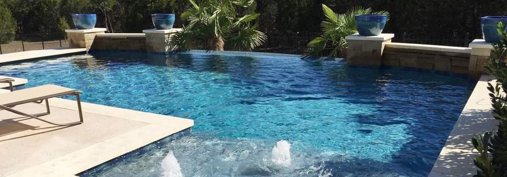 infinity pool jacuzzi