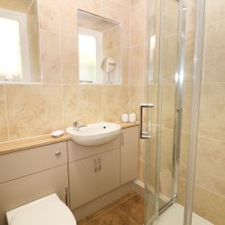 Flat-2-Regency-House-Derbyshire-Bathroom