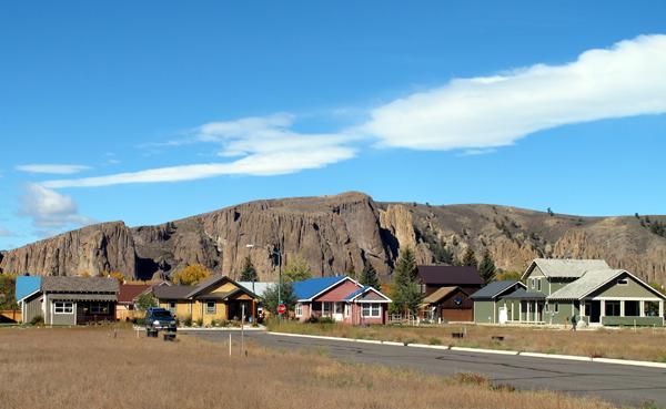 van tuyl viallge and palisades in gunnison colorado