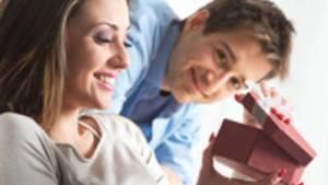 5-cadouri-atragatoare-pentru-iubita-ta--Afla-ce-isi-doresc-femeile-