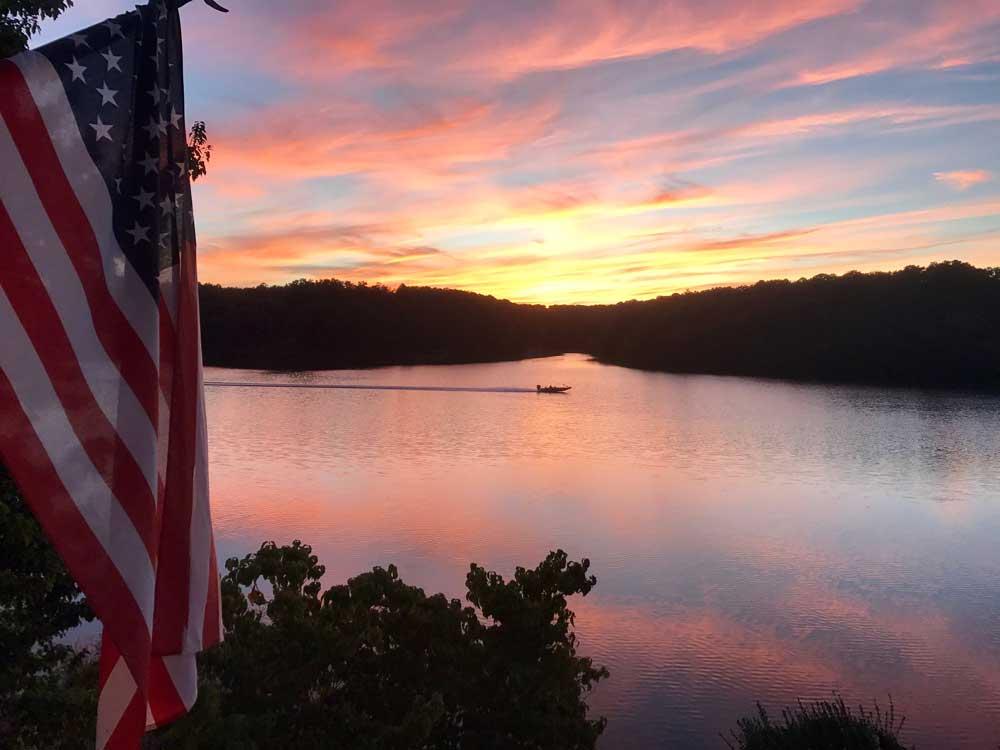 table-rock-lake-sunset