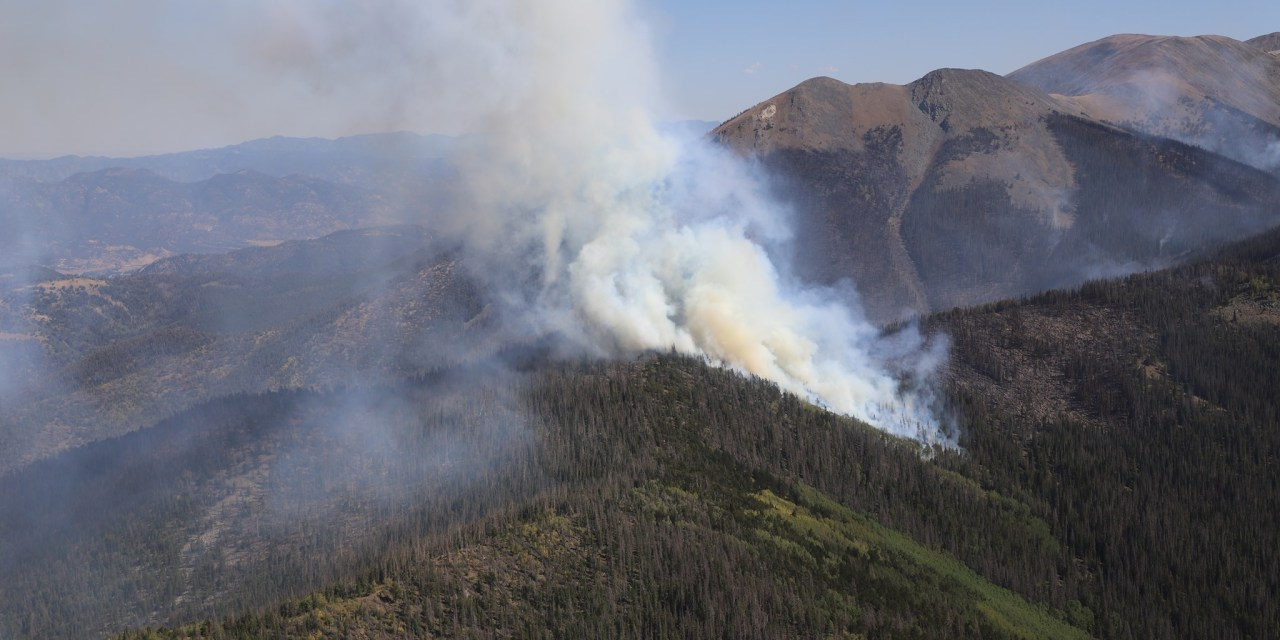 Decker Fire burns south of Salida